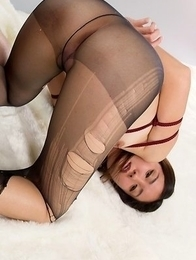 Madoka Yukishiro wearing a pantyhose during a deeply arousing thigh fucking session