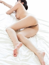 Sara Yurikawa shows that oily ass and perfect legs during raw sex with no penetration