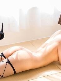 Long-legged bombshell Mio Yoshida showing her panties and hot soles