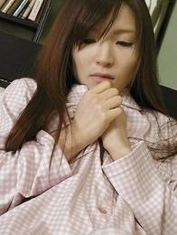 Hitomi Tsukishiro gets horny and uses toy