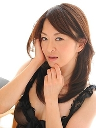 Machimura Sayoko shows big boobs in black