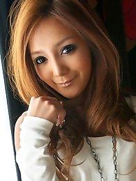 Japan Model  Sarina