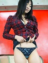 Nozomi Hazuki Asian exposes leering curves before using vibrator