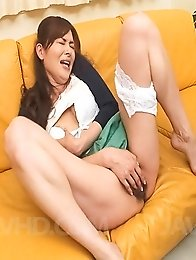 Hitomi Kanou Asian sucks shlong and gets vibrator in asshole